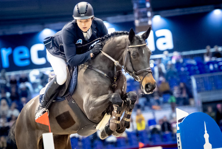 Andreas Kreuzer (GER) & Dots & Dashes